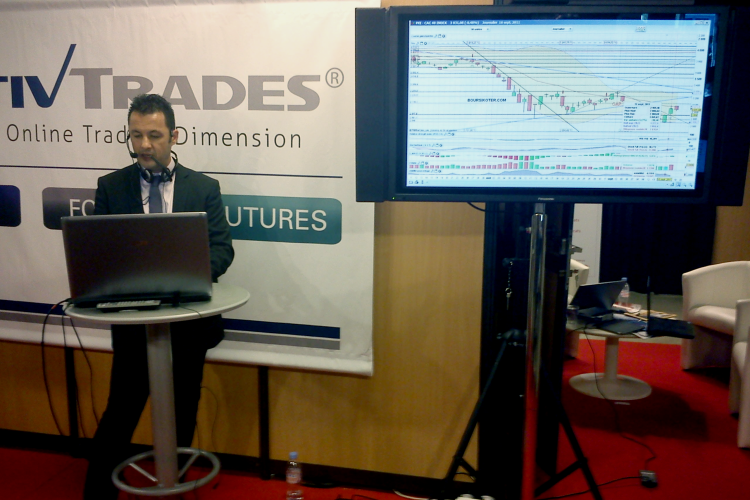 Analyse technique en direct du salon du trading sur le stand ActivTrades